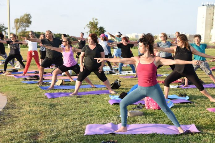 יום היוגה הבינלאומי נערך בעכו 3
