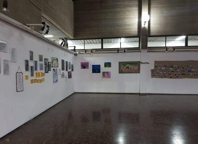 """""""מאפלה לאור"""" – תערוכת ציורים בגלריית עיריית עכו"""