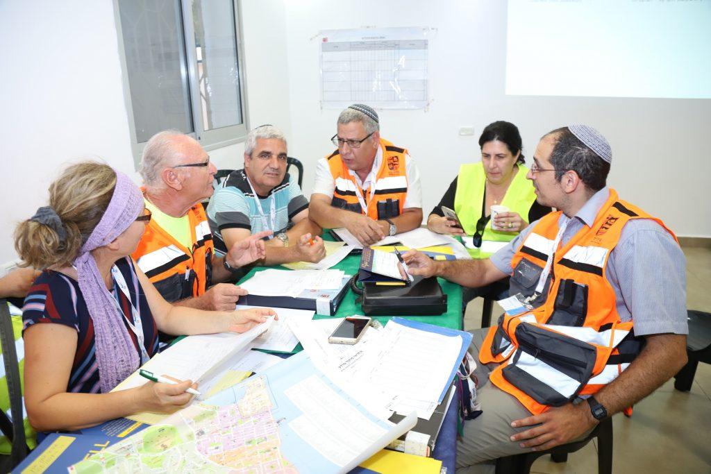 תרגיל צוותי חירום שכונתיים בעכו
