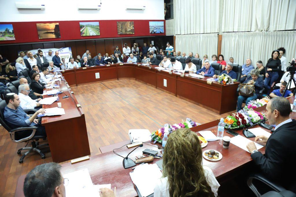 ישיבה חגיגית של מועצת העיר עכו ה-15