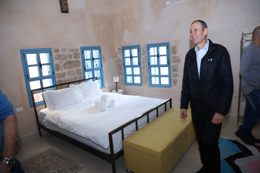 סיור תיירותי בחדרי האירוח והמיזמים החדשים בעכו העתיקה