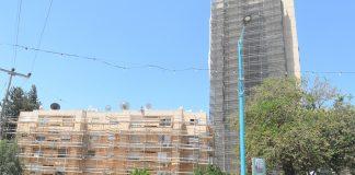 שישה בנייני מגורים ישנים בשכונה הדרומית בנצרת עילית שינו את פניהם ללא היכר