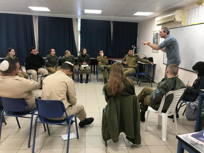 50 חיילים בני העיר מגדל העמק העתידים להשתחרר מצה