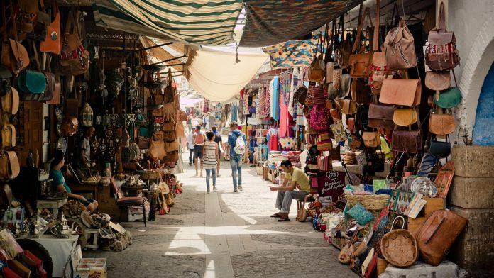 שוק הבגדים בעכו יפונה
