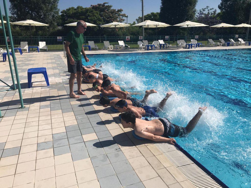 עפולה: התלמידים יחזרו ללמוד שחייה