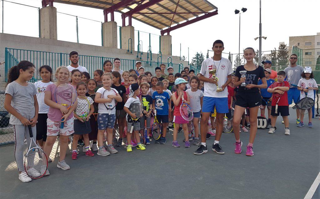 ליזה שייקיס ועידו תורגמן שטפו הישגים נפלאים עם הדור הבא של הטניס מעפולה