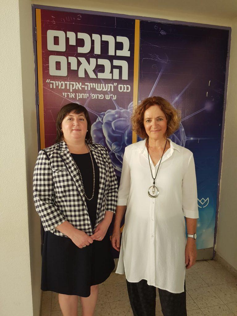 KLA ישראל העניקה מלגות לסטודנטים מצטיינים ממכללת אורט בראודה