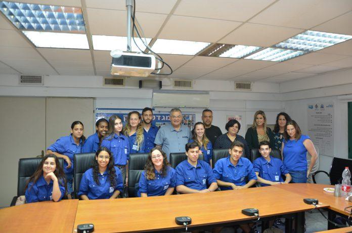 15 בוגרי כיתות ט' ממגדל העמק יצאו לקורס מד