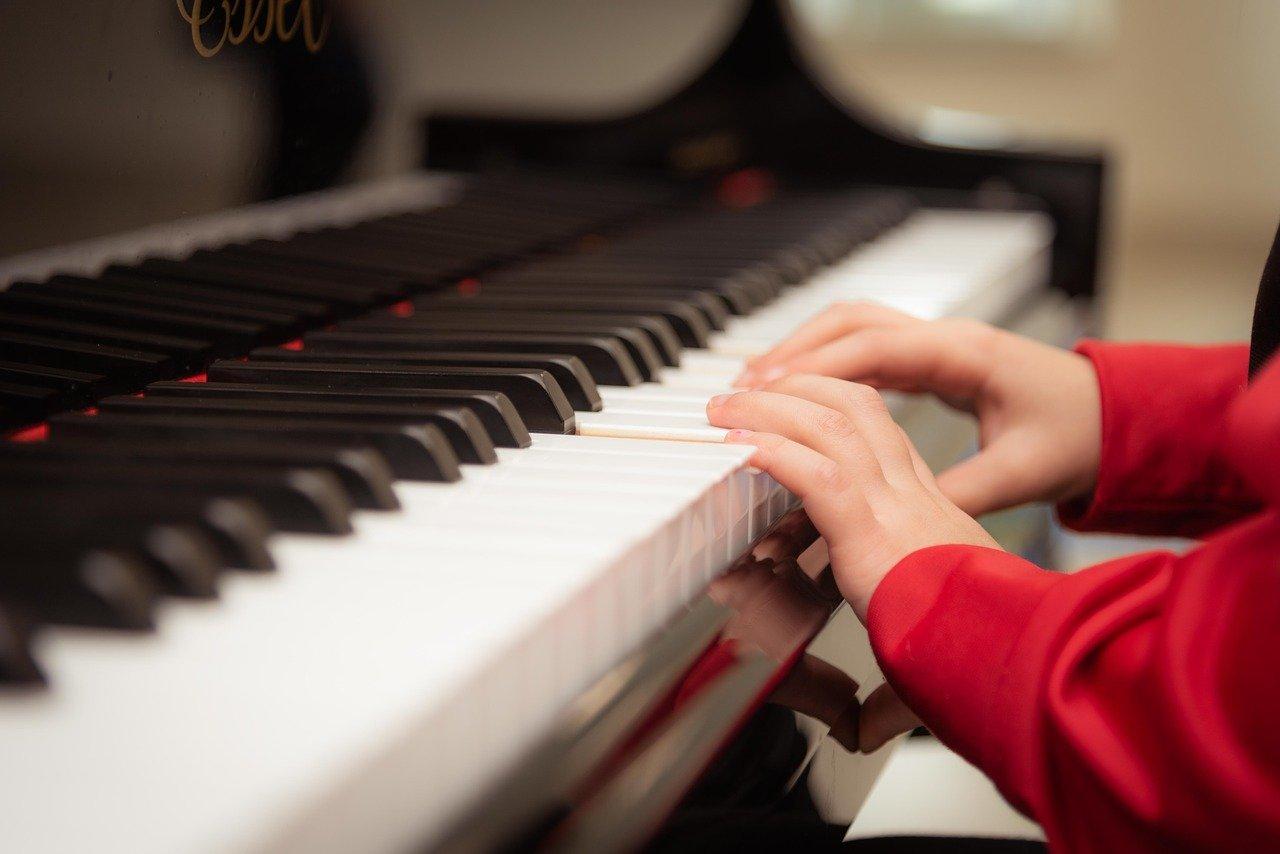 """הכשרה מקצועית למטפלות בגיל הרך בהובלת  מכללת """"דעת- מוסיקה ושילוב אומנויות""""."""