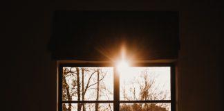 תאורה טבעית לחלל פנים – משימה אפשרית בהחלט