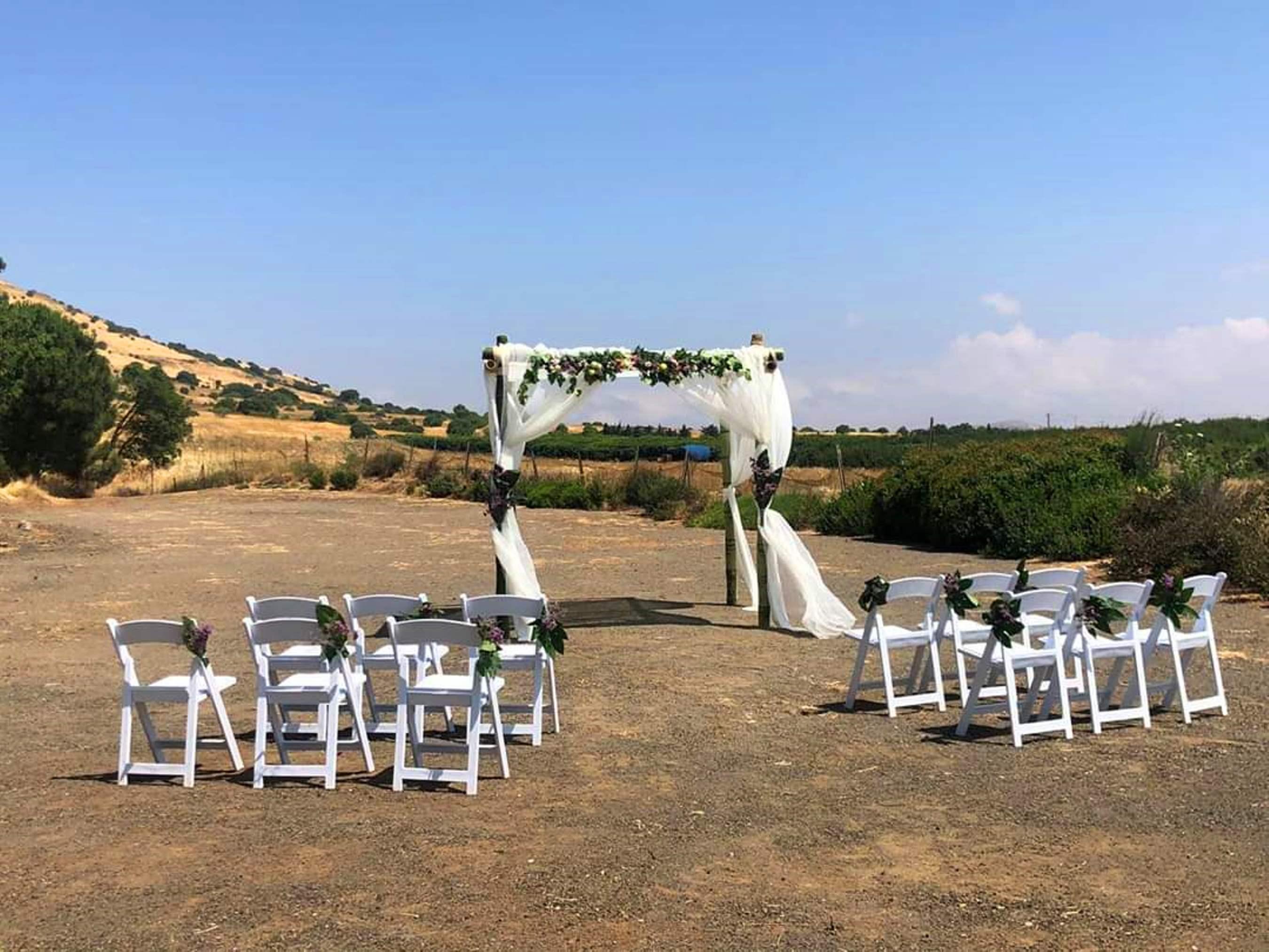 """תיירות עין זיוון מזמינה זוגות לערוך חתונה בבוסתן """"בראשית""""- המתחם לאירוע יוענק ללא תשלום"""